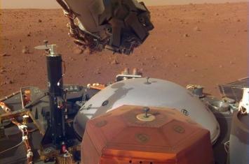 """人类史上首次听到""""火星风声"""""""