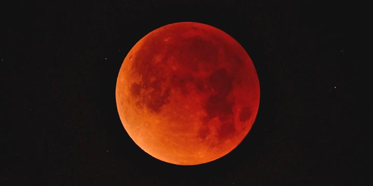 """周日登场""""超级血狼月"""",3大天文奇观1次看个够"""