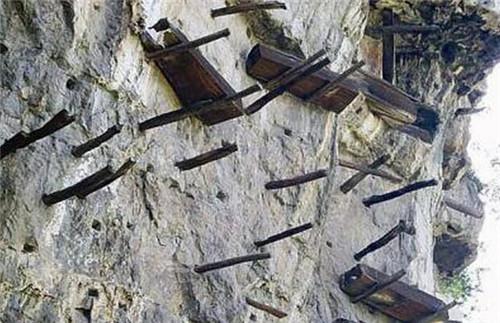武夷山悬棺葬之谜:棺材是怎么放上去的,有什么涵义和好处  第4张