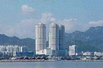广东珠海三海大厦灵异事件,大厦像三炷香传闻半夜有女鬼