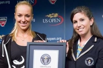 世界速度最快的女子网球发球明星