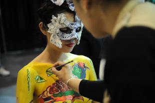 中国最美丽的人体艺术模特是习云波