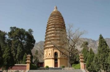 我国现存最古老的砖砌佛塔