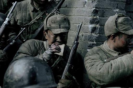在战场上士兵能不能装死苟活?