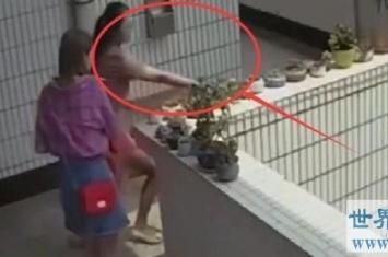 最疯狂女子,裸体去偷花被监控拍到