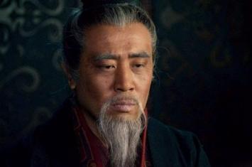 曹操为什么让汉献帝封他魏公之后又封魏王?