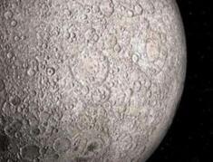 月球的背面是什么,二战飞机和外星人基地现身月球(谣言)