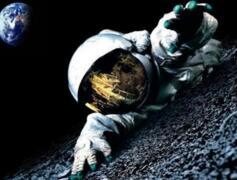 美国NASA不敢公布的照片,登月期间惊现外星人宇宙飞船