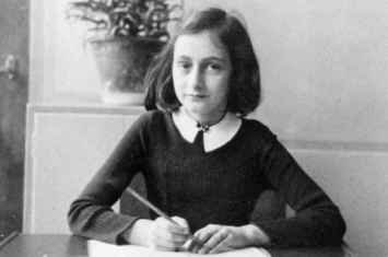 《安妮日记》这本二战日记新增两页,其中是什么内容?