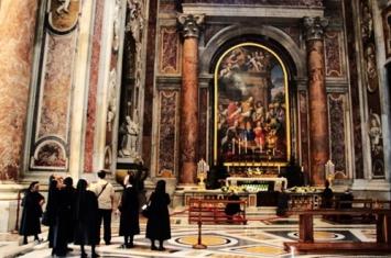 圣彼得大教堂的雕像介绍