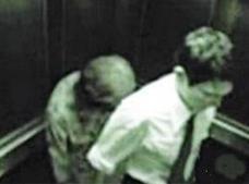 盘点真实的电梯灵异事件,男子遭遇女鬼被吓傻(急忙逃走)