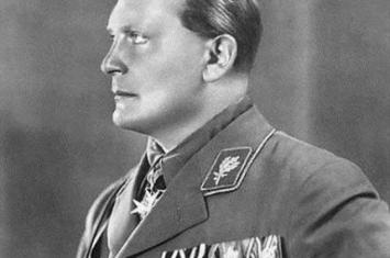 1945年10月15日:纳粹二号人物戈林服毒自杀
