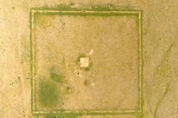 """蒙古国中部地区发现距今约2000年的遗址 疑似匈奴单于庭的""""龙城"""""""