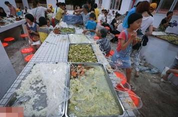 广西玉林素食节与荔枝狗肉节同日举行惹热议