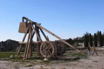 投石器是什么时候诞生的?欧洲人是如何抵抗蒙古铁骑的?