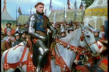 欧洲历史上的骑士板甲到底有多重?