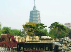 锦州古塔公园灵异事件,古塔下竟镇压着千年蛟龙