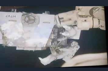 NASA宇航员2019年首次太空漫步 国际空间站外换老化电池