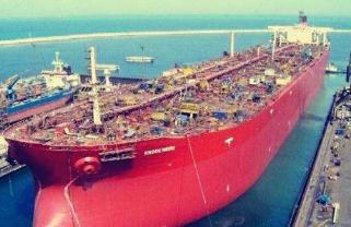 世界上最大的船,排水量达到的825344吨(比横躺的艾菲尔铁塔还长)