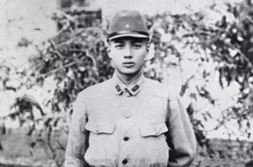 战后日本最成功的人是谁?华歌尔品牌的缔造者,帅的像胡歌