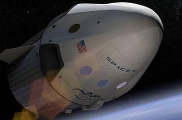 """国际空间站宇航员关闭""""龙-2""""舱门使飞船做好返回准备"""