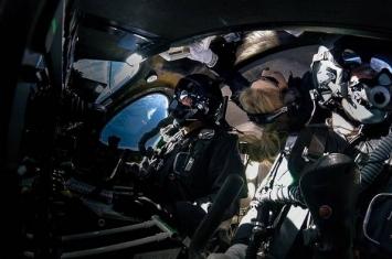 想要尝试太空旅行的游客 先听听第一位乘坐商业宇宙飞船进入太空的女性宇航员的建议