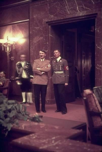 德国纳粹领导人希特勒的私人彩色照片