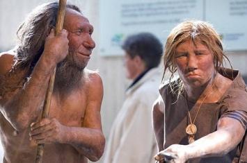 杰尼索娃人和尼安德特人在古西伯利亚杰尼索娃洞穴内居住过