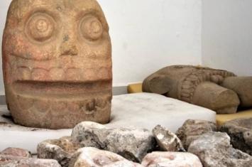 考古学家首次在墨西哥普埃布拉发现有千年历史的剥皮之主神庙 相传祭师穿人皮供奉
