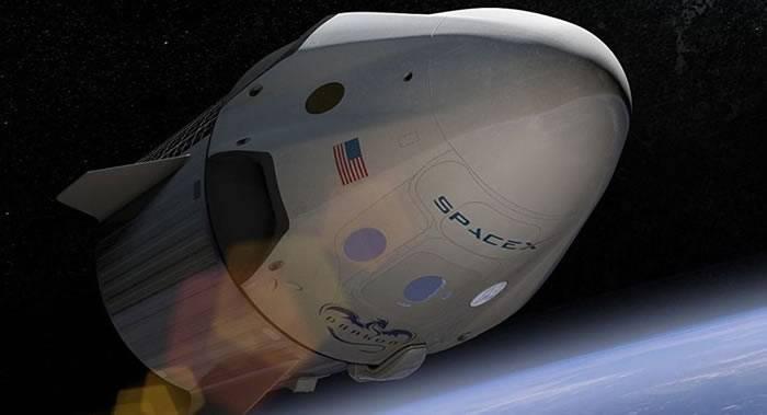 """俄专家称SpaceX的""""龙""""飞船将与俄罗斯""""联盟""""飞船竞争"""