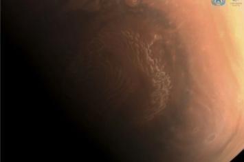 天问一号拍的高清火星照