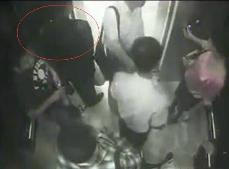兰州电梯灵异事件,男子手持文件坐电梯竟神秘消失(视频)