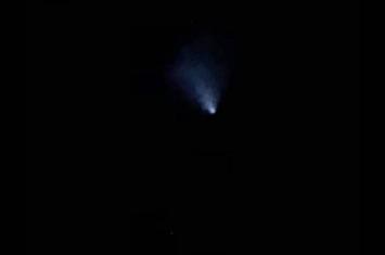 澳大利亚疑似UFO神秘闪光划破夜空 天文学家:印度发射的无人太空船月船二号