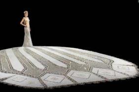 世界上最重的婚纱,纯手工打造出181公斤重(穿上无法行走)