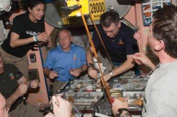 俄罗斯宇航员安德烈·鲍里先科介绍在国际空间站如何迎接新年