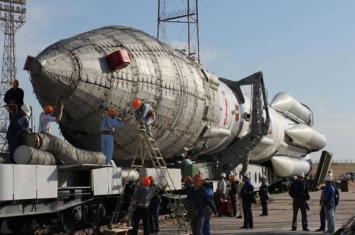 """俄罗斯""""质子-M""""运载火箭成功将一颗军用卫星送入轨道"""