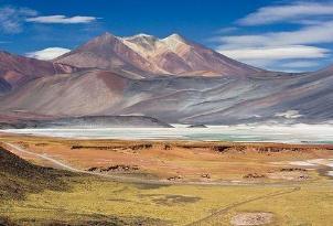 世界上最高的活火山,奥霍斯德尔萨拉多山海拔为6891米