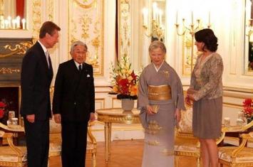 日本天皇为什么没有姓氏?天皇家为什么没有军人?