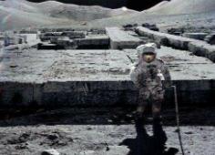 嫦娥二号拍到外星人,中国不公布月球背面(遭到外星人警告)