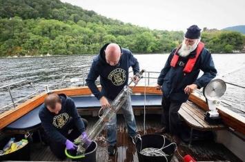 国际科学家团队在尼斯湖采集eDNA样本 分析后认为所谓的尼斯湖水怪其实只是巨型鳗鱼