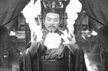 1973军方看见秦始皇,始皇帝长生不老(秦始皇陵墓无人敢动)