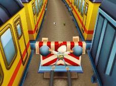 地铁跑酷灵异事件,游戏人物被撞死后仍然在跑超诡异