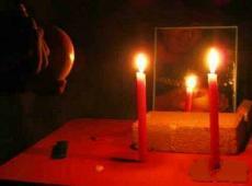 半夜12点的禁忌千万别做,半夜12点对镜子削苹果能遇见鬼