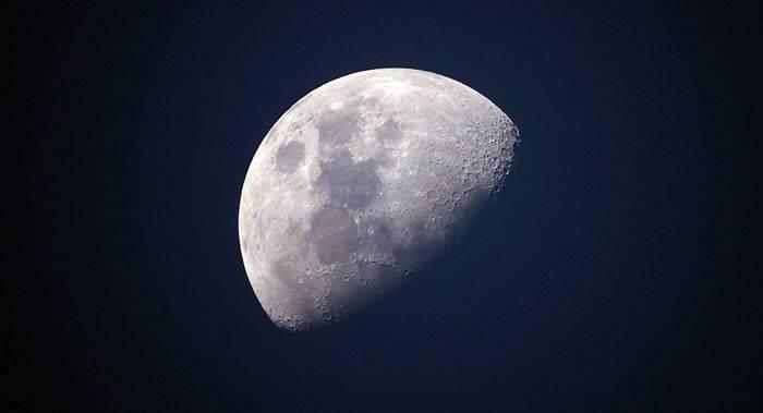 俄罗斯将在使用机器人演练后再发送载人登月