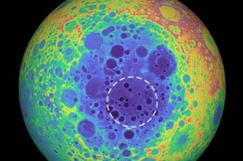 """《地球物理研究通讯》:月球地下埋藏着大量""""不明物质"""""""