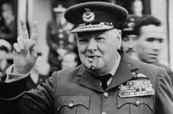 二战期间英国首相邱吉尔在福克兰群岛驻重兵防入侵