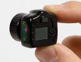 世界上最小的照相机,超迷你只有手指头那么大的相机