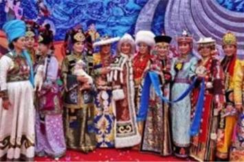 蒙古族的服饰是什么样的