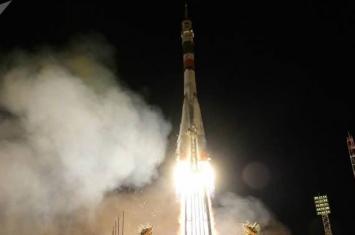 """俄罗斯筹备发射携带机器人""""费奥多尔""""的""""联盟MS-14""""号宇宙飞船"""