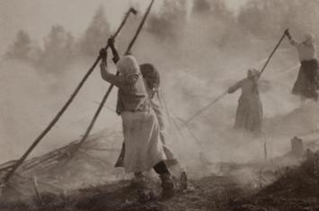 坦博拉火山爆发有多可怕?导致7万人,我国长江6月飘雪,云南人吃土